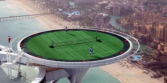 Bermain Tenis di atas ketinggian 300 mdpl