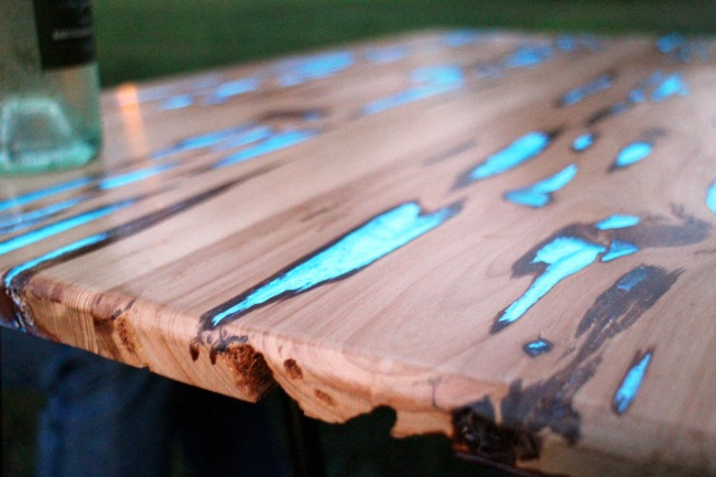 cara membuat meja menyala dalam gelap