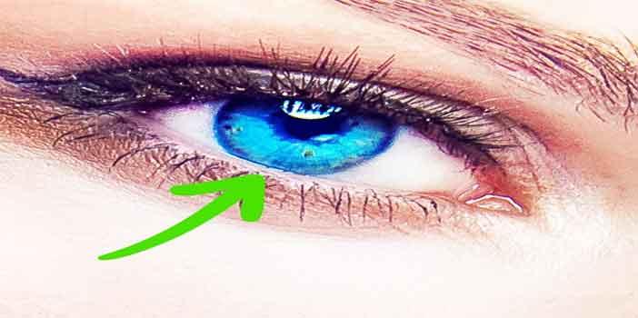 Hoax Duduk di Dekat TV Merusak Penglihatan Mata