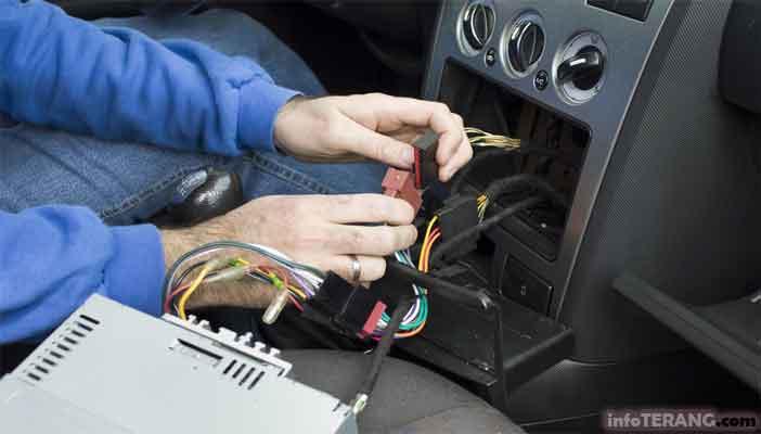 Bau Amis atau Kencing kemungkinan ada kabel terbakar
